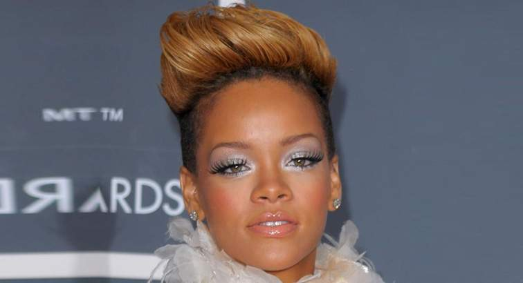 African hairstyles - Rihanna Mohawk